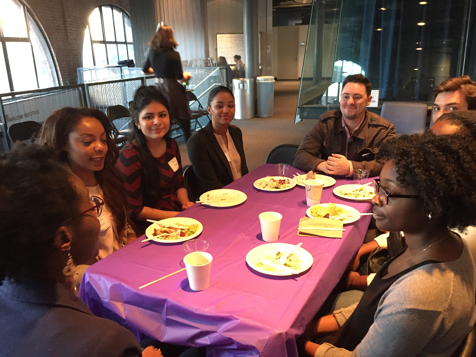 NYU Journalism hosts mentor events to bring students and alum together.