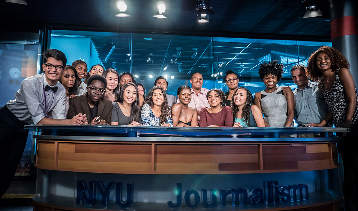 Urban Journalism Workshop Group Photo in NYU Journalism Studio